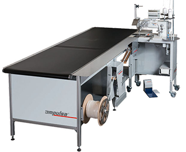 Machine à coudre Impulsa ATAS avec table de convoyage, détection de fin de tissu et découpe automatique de jonc